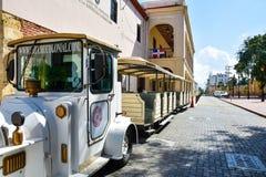 Santo Domingo Dominikanska republiken Chu Chu Colonial är ett drev som framlägger i minut 45 den koloniala staden av Santo Doming Arkivbilder