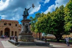 SANTO DOMINGO, REPÚBLICA DOMINICANA - 30 DE OCTUBRE DE 2015: Dos puntos de Parque en Santo Domingo imagen de archivo