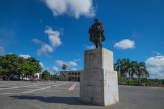 SANTO DOMINGO, REPÚBLICA DOMINICANA - 30 DE OCTUBRE DE 2015: Monumento de Nicolas de Ovando fotografía de archivo libre de regalías