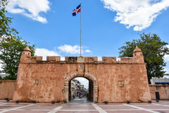 Santo Domingo, Repubblica dominicana Puerta del Conde (il portone del conteggio) Fotografia Stock