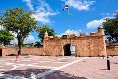 Santo Domingo, Repubblica dominicana Puerta del Conde (il portone del conteggio) Immagini Stock Libere da Diritti