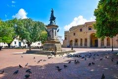 Santo Domingo, republika dominikańska Sławna Christopher Kolumb statua i katedra w Kolumb parku Zdjęcia Royalty Free