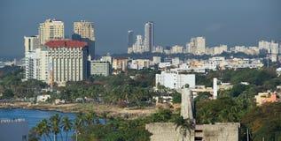 Santo Domingo strand, shoreline och shyline - Dominikanska republiken arkivbild