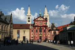 Santo George Basilica en el castillo de Praga Imagen de archivo libre de regalías