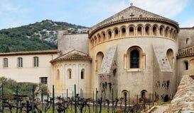 Santo-Guilhem-le-désert Abadía de Gellone Pueblo medieval francés Sur de Francia Patrimonio mundial de la UNESCO Foto de archivo libre de regalías