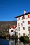 Santo-Jean-De varios colores-de-Acceso en provincia basque Imágenes de archivo libres de regalías