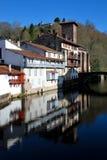 Santo-Jean-De varios colores-de-Acceso en provincia basque Imagenes de archivo