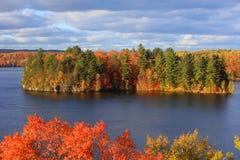 Santo Mauricio de Riviere en tiempo del otoño cerca de simple magnífico fotografía de archivo