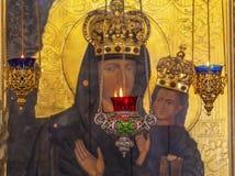 Santo Nicholas Church Kiev Ukraine del icono de Madonna de las hornillas de incienso Fotografía de archivo