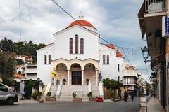 Santo Paraskevi de la iglesia en la ciudad de Nafpaktos, Grecia Imágenes de archivo libres de regalías