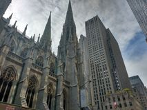 Santo Patrick Church @ NYC fotos de archivo