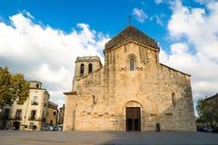 Santo Peter Monastery Church en Besalu, La Garrotxa, Cataluña fotos de archivo