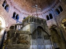 Santo Stefano, sieben Kirchen, Kalvarienbergnische in der Kirche vom heiligen begraben Bologna, Italien lizenzfreie stockfotografie