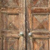 Santo in una chiesa Lombardia di legno chiusa Italia Varese della porta Immagini Stock Libere da Diritti