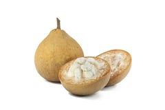 Santol-Frucht auf weißem Hintergrund Stockfoto