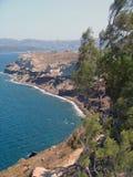 在santorini希腊的山有海视图 库存图片