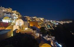 Santorini - betrachten Sie von Oia zum Osten Nacht Stockbild