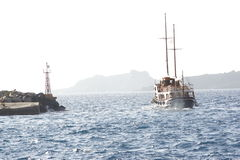 Santorini-Boot Lizenzfreies Stockfoto