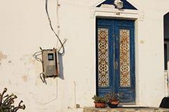 Santorini dörr arkivfoto
