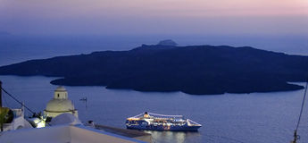 Santorini en la noche Imagenes de archivo