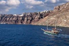 santorini för ö för byggnadsgreece kull Royaltyfri Foto