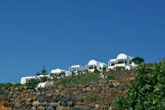 santorini för ö för byggnadsgreece kull Royaltyfri Bild