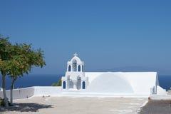 Santorini för kyrkliga klockor Royaltyfri Foto