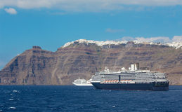 Santorini - falezy calera z rejs witką Skaros i Imerovigli Fotografia Stock