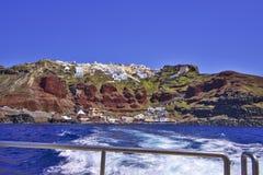 Santorini från fartyget Royaltyfria Bilder