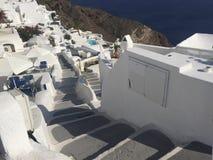 Santorini gångbana royaltyfria foton