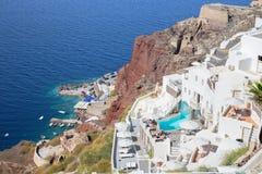 SANTORINI, GRÈCE - 5 OCTOBRE 2015 : Les lieux de villégiature luxueux à Oia et l'Amoudi hébergent Image libre de droits