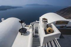 SANTORINI/GREECE vergoelijk Huizen overlookin Stock Foto's