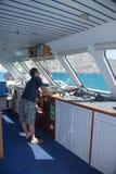 SANTORINI/GRIECHENLAND - 4. JULI 2012: Kapitän, die Innenansicht der Arbeitsplatz. Stockbild