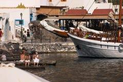 Santorini, Griekenland, Thirassia Stock Afbeeldingen