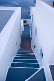 Santorini Häuser - Treppenhaus zum Himmel Lizenzfreie Stockbilder