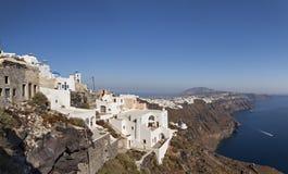 Santorini-Küstenlinienpanorama Lizenzfreie Stockbilder