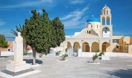 Santorini - kerk Agios Georgios in Oia Stock Afbeelding