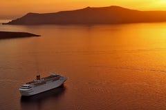 Santorini-Kessel-Sonnenuntergang Lizenzfreie Stockbilder