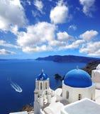 Santorini Kirchen in Oia, Griechenland Stockbild