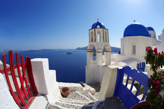 Santorini-Kirchen in Oia, Griechenland Lizenzfreie Stockfotos