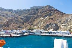 Santorini, Kreta: Eindhaven Bussen in dok van eiland Santorini in Kreta royalty-vrije stock foto