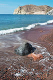 Santorini - la playa roja Fotografía de archivo libre de regalías