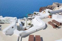 Santorini - les lieux de villégiature luxueux à Oia et le port d'Amoudi Photo stock
