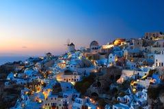 Santorini Oia am Abend Stockfotos