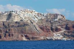 Santorini - Oia (Ia) sur les falaises du calera Photos stock