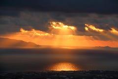 Santorini på soluppgång Royaltyfria Bilder
