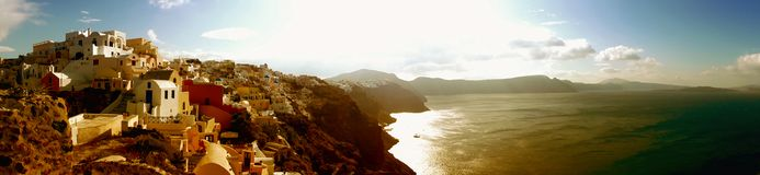 Santorini-Panorama Oia-Stadttraditionelle Häuser lizenzfreie stockfotografie