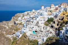 Santorini - spojrzenie część Oia z wiatraczkami Fotografia Royalty Free