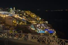 Santorini - spojrzenie od Oia wschód przy nocą obraz stock