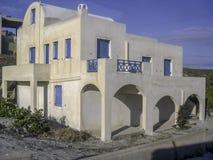 Santorini típico de la casa, agosto fotos de archivo libres de regalías